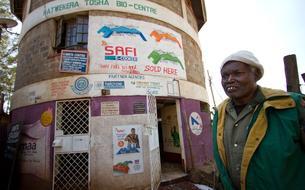 Au Kenya, on fait cuire le dîner grâce à des excréments