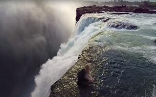 Un survol vertigineux des chutes Victoria grâce à une vidéo 360°