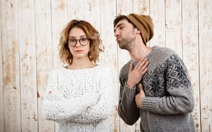 En Suède, une ligne d'écoute contre le «mansplaining», les messieurs-je-sais-tout