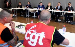 Après Marine Le Pen, Emmanuel Macron se rend à l'usine Whirlpool d'Amiens