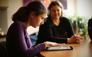 Feelif, une tablette en braille pour les enfants non-voyants