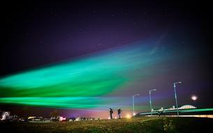 Avec des aurores boréales artificielles, il encourage l'engagement citoyen