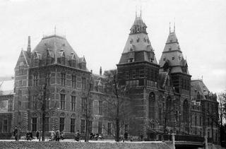 Le Rijksmuseum à Amsterdam vers 1930.