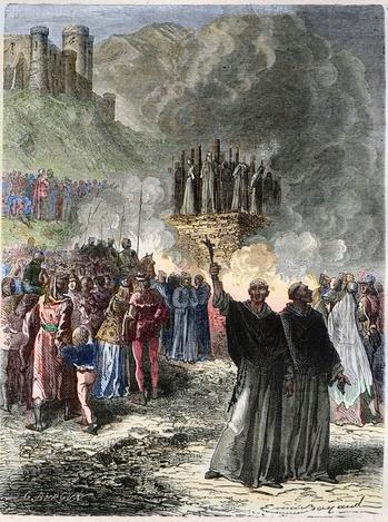 En 1244, l'armée royale s'empare du dernier fief cathare, le château de Montségur, et livre aux flammes des dizaines d'hérétiques.