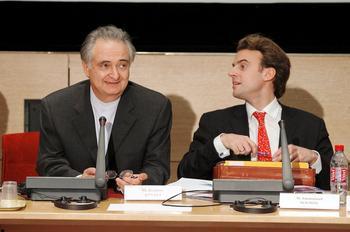 La mèche est encore folle, mais les formidables capacités de travail sont déjà là. L'idéal pour Jacques Attali, qui cherchait un rapporteur infatigable.