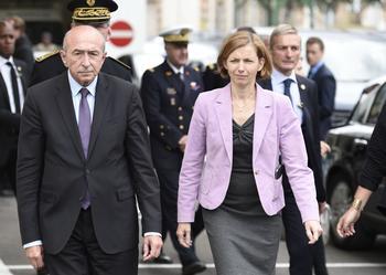 Gérard Collomb, ministre de l'Intérieur, et Florence Parly, ministre des Armées, se sont rendus au chevet des militaires blessés à la mi-journée.