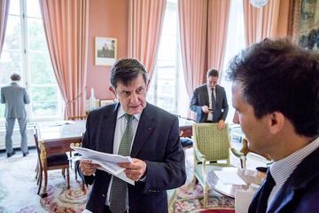 Le secrétaire général de l'Elysée Jean-Pierre Jouyet et Gaspard Gantzer, en charge de la communication.