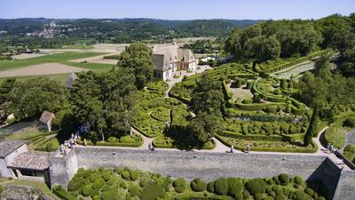 Le domaine de Marqueyssac rassemble quelques 150.000 arbustes.