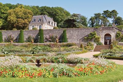 Vue d'ensemble sur le potager-conservatoire du château de Valmer à Chancay (Indre-et-Loire)