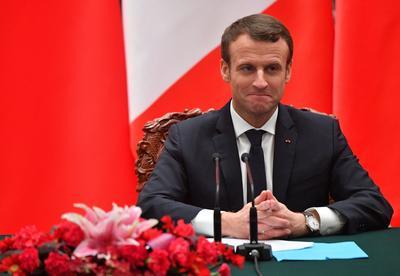 Emmanuel Macron, début janvier lors de son voyage officiel en Chine, avec la LMM-01 au poignet.