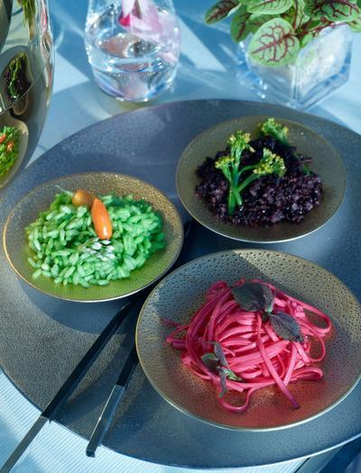 L'assiette moderne, esthétique et minimaliste, voudrait passer pour de l'art contemporain. Et le goût dans tout ça?