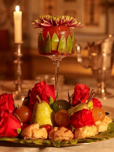 Objet de soins particuliers dès le XVIIe siècle, le dessert, par sa mise en scène recherchée, révèle le talent du maître d'hôtel.