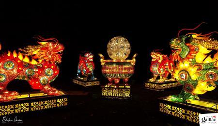 Les qilins, sortes de mélange entre le lion et le dragon portent bonheur en Chine.