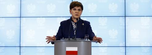État de droit en Pologne: Bruxelles hausse le ton contre Varsovie