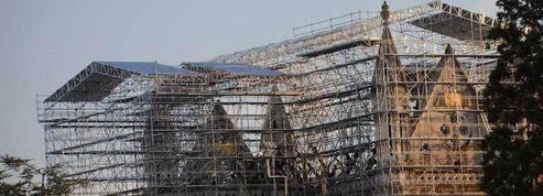 Un «parapluie» géant protège la basilique Saint-Donatien
