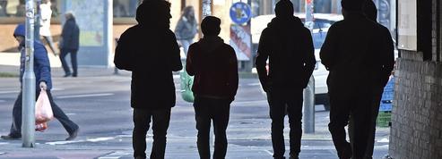 Les Allemands attendent un changement de cap de Merkel sur l'accueil des réfugiés