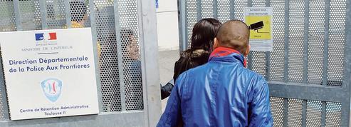 La France éloigne de moins en moins de clandestins