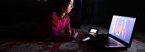 Au Royaume-Uni, les enfants passent plus de temps sur Internet que devant la télé
