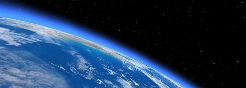 Le champ magnétique de la Terre perd en intensité