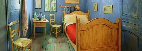 Dormir dans une reproduction de tableau de Van Gogh