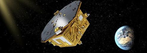 Une nouvelle ère de l'astronomie: la gravitation en plus de la lumière