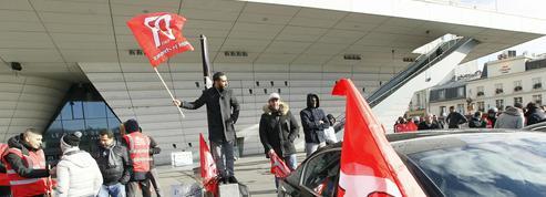 Les chauffeurs de VTC et de Loti suspendent leur mouvement