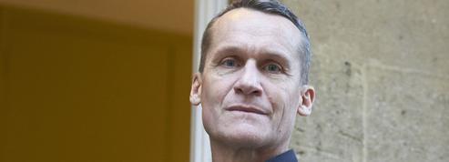 Andreï Makine élu dans un fauteuil à l'Académie française