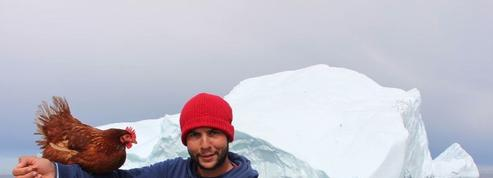 Le navigateur parti hiverner avec sa poule au Groenland toujours coupé du monde