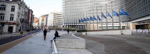 Les attentats de Bruxelles, un défi lancé à une Europe en ordre dispersé face au terrorisme