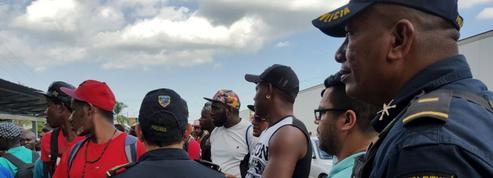 Un millier de Cubains sont entrés en force au Costa Rica