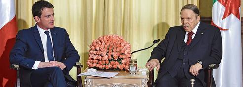 Bouteflika: un tweet de Valls déclenche la tempête
