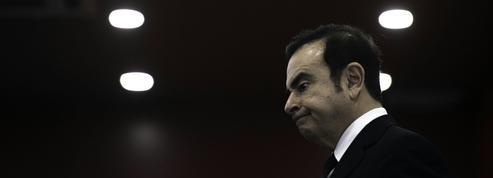 Salaire de Carlos Ghosn : Macron menace de «légiférer» si Renault n'agit pas
