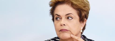 Brésil : confusion au sommet de l'État sur la procédure de destitution de Dilma Rousseff