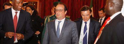 Boko Haram «reste une menace», malgré «les progrès» dans la lutte, selon Hollande