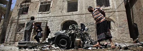 Un double attentat fait au moins 40 morts au Yémen