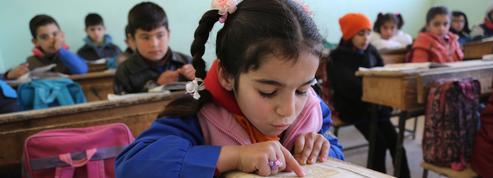 Scolariser les jeunes filles, une urgence dans les pays ravagés par la guerre