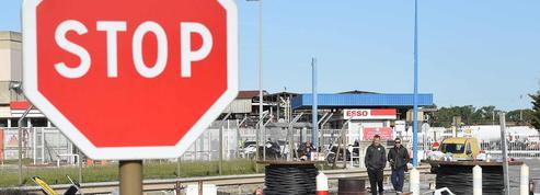 Blocage de raffineries, grèves, violences : la gauche radicale, un poison français