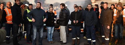 Face à la CGT, Hollande et Valls sur le fil du rasoir
