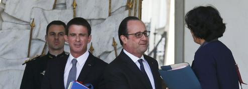 Hollande et Valls cherchent en vain une sortie de crise