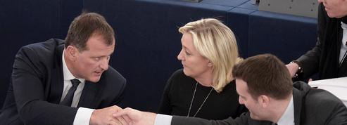 Cumul des mandats : pour les têtes d'affiche du FN, le dilemme des législatives