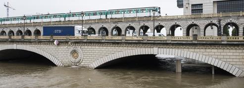 À Paris, 50.000parpaings stockés pour protéger le métro