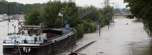 Inondations : sur les péniches, l'entraide entre voisins