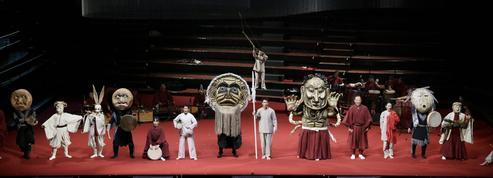 Satoshi Miyagi : les masques et les plumes