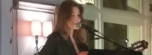 Surprise ! Carla Bruni donne un concert au Festival de Cabourg