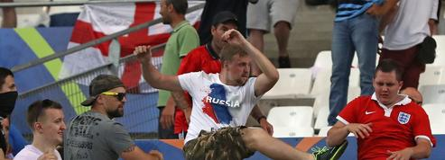 Hooliganisme : Des voyous russes qui allient brutalité et racisme