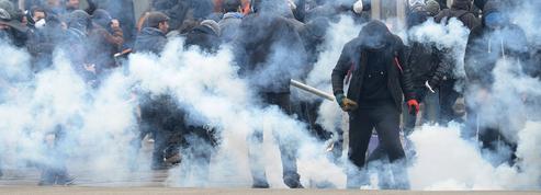 Loi Travail : Cazeneuve veut stopper les casseurs par une vague d'interdictions de manifester