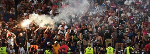 La police compte sur les autorités russes pour traquer des hooligans «extrêmement entraînés»