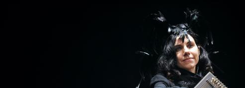 PJ Harvey, reine de la fanfare