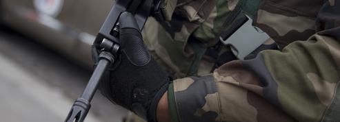 À Paris, un militaire de l'opération «Sentinelle» se tire une balle dans la tête