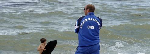Sur les plages, une partie des CRS nageurs-sauveteurs seront armés cet été